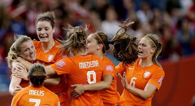 Oranje dichtbij achtste finale WK